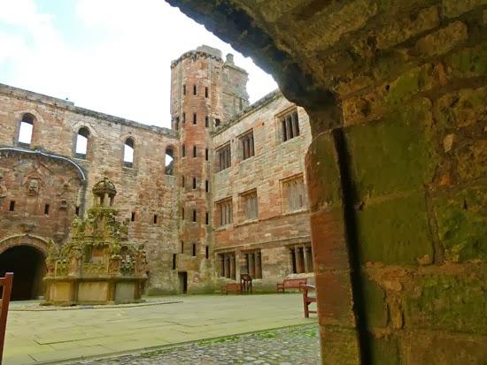 Visit Linlithgow, Stuart monarchs, royal palaces Scotland