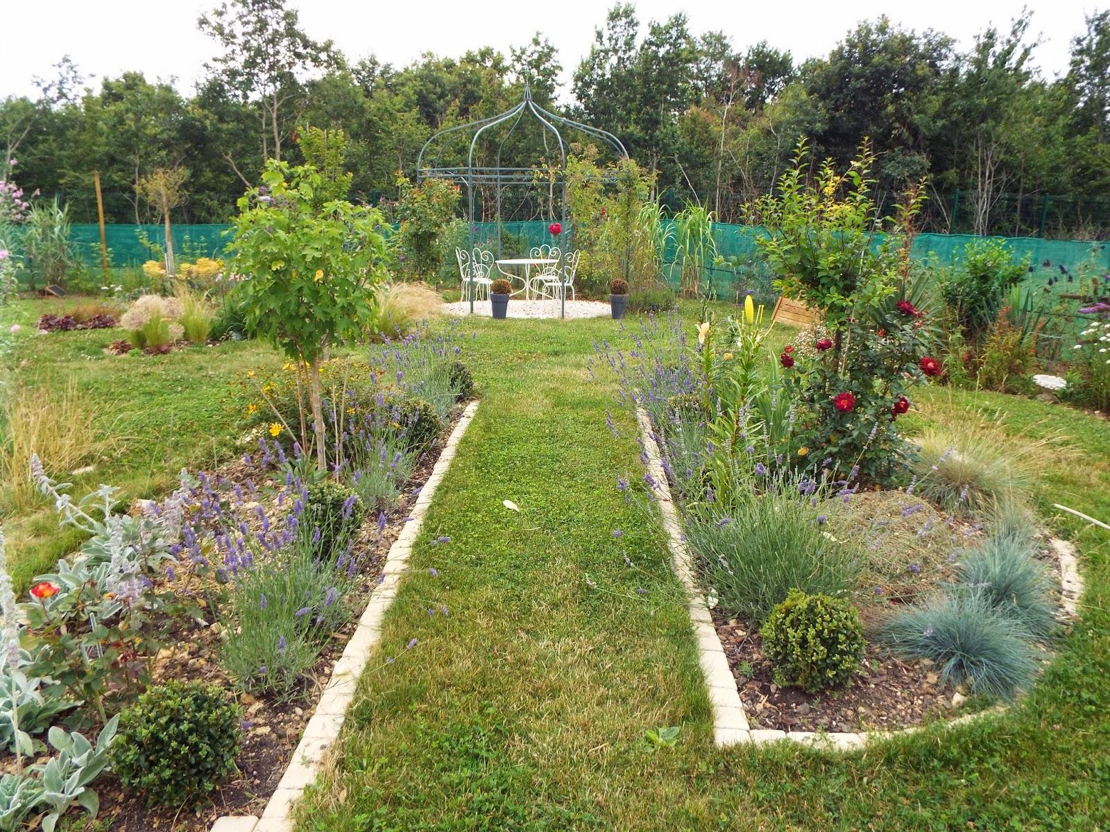 Jardin aux quatre saisons un petit tour au jardin for Portent of passage 5