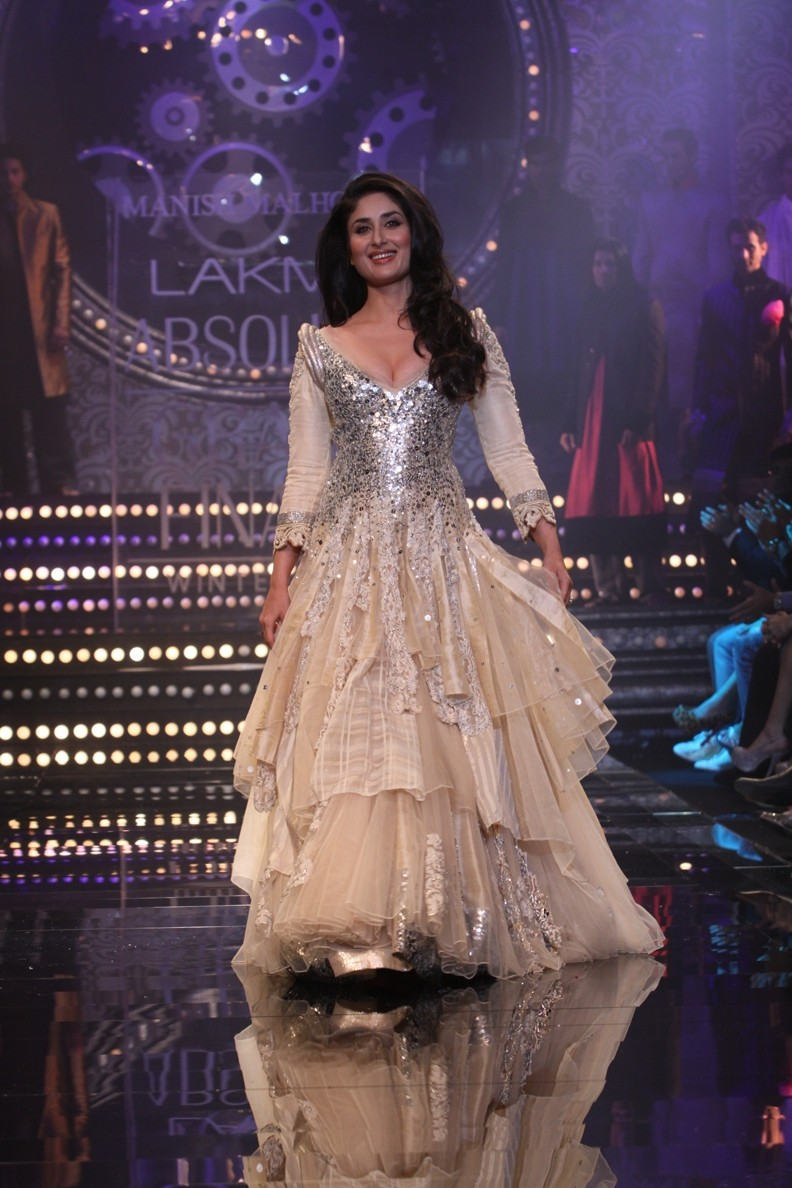 Apparel and Fashion in India: Manish Malhotra\'s bridal collection