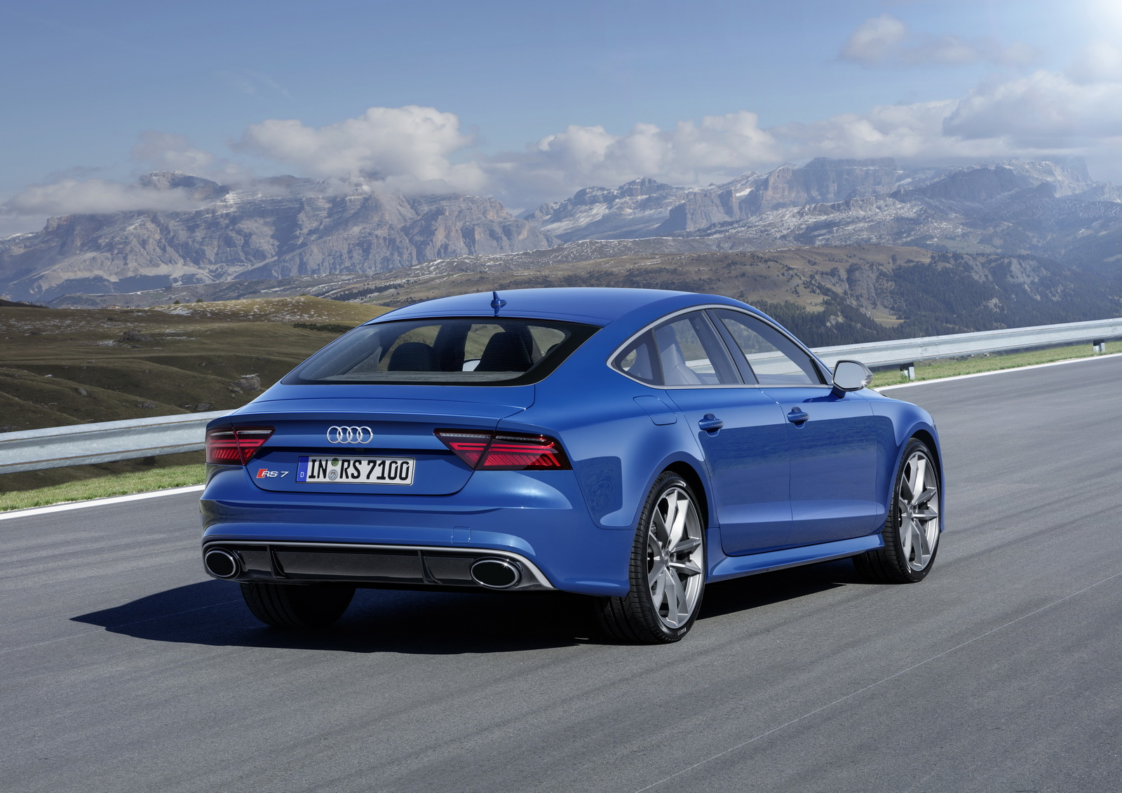 Audi Rs6 Inside >> Audi Boosts RS6 Avant & RS7 Performance Editions To 605hp | Carscoops