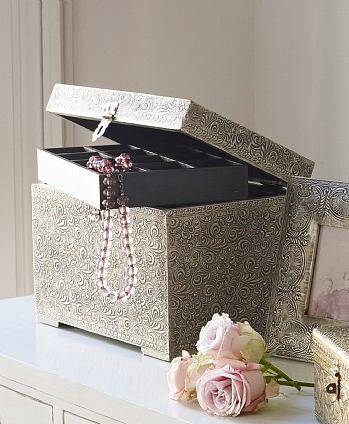 Irma Silver Jewellery Box at Lombok