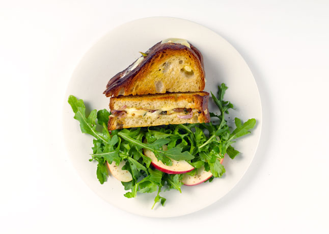 gruyere-grilled-cheese-with-apple-salad-646.jpg