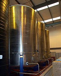 Food-grade stainless steel storage tanks