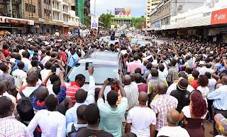 Kisumu Residents Turn Out In Huge Numbers To Welcome President Uhuru