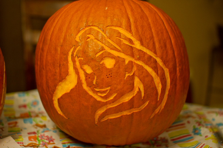 Tales of the flowers pumpkin carving in michigan for Rapunzel pumpkin template