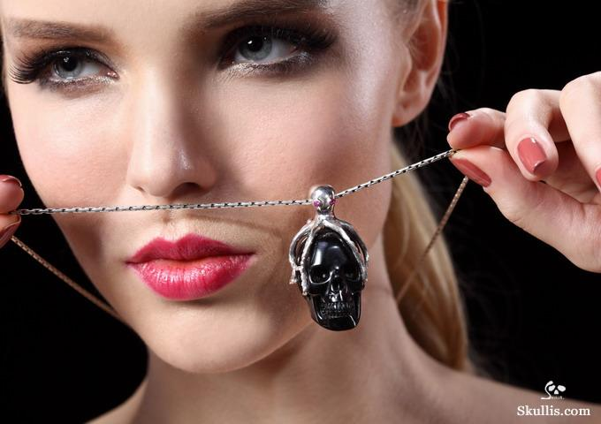 11-Black-Obsidian-Crystal-Silver-Ruby-Skullis-Crystal-Skulls-Gemstone-Sculptures-and-Jewelry-www-designstack-co