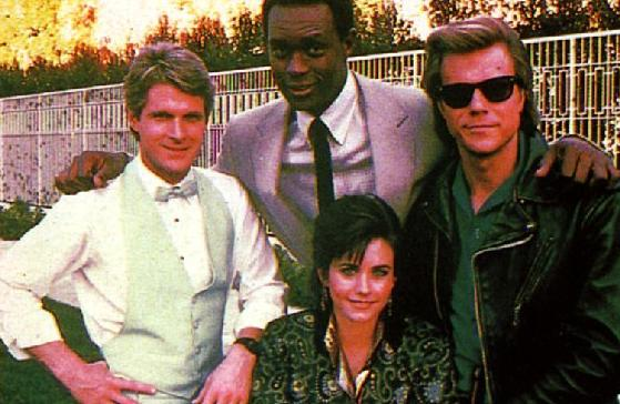 misfits of science courtney cox kevin peter hall