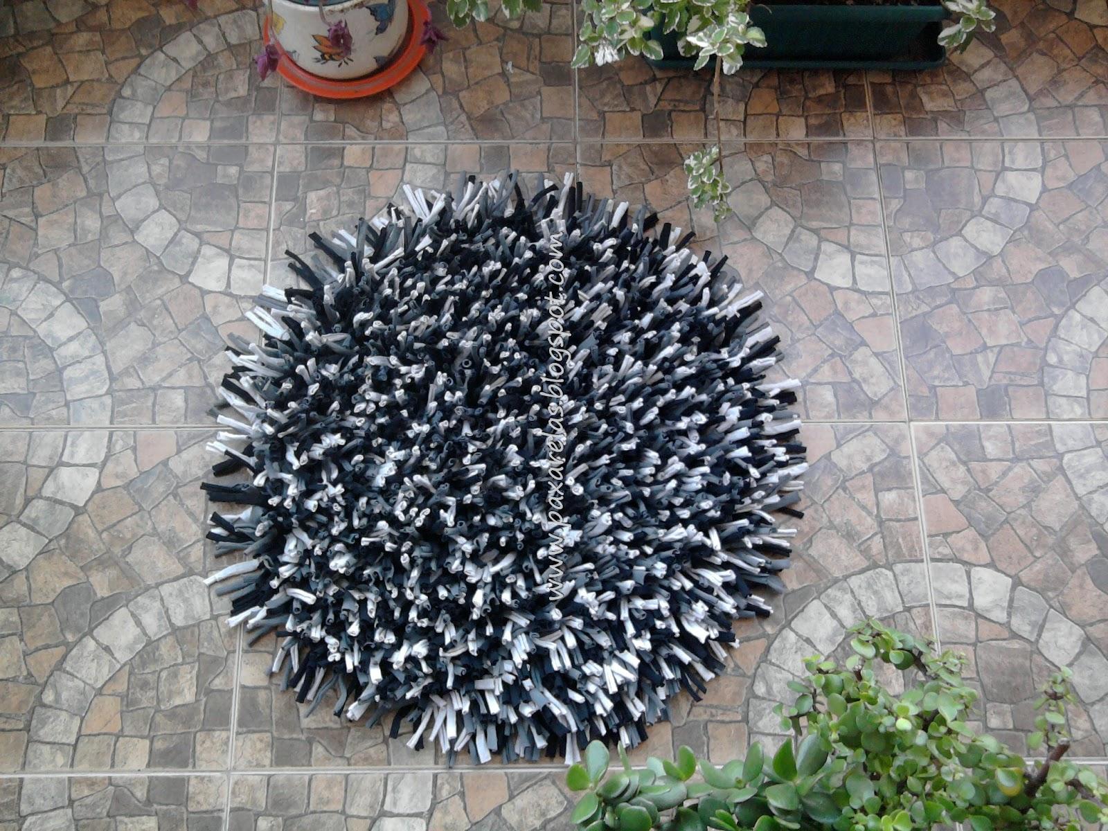 Circular en mix de grises y negro for Alfombra redonda gris