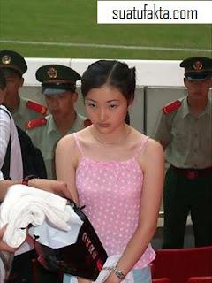 http://asalasah.blogspot.com/2012/11/gadis-gadis-cantik-yang-dihukum-mati.html