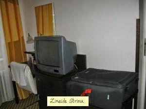 praga-royal-plaza-biroul-cu-tv-internet-frigider