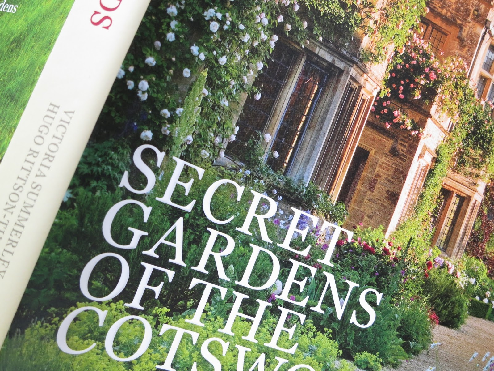 Loose and Leafy photo of cover of Secret Gardens of the Cotswolds