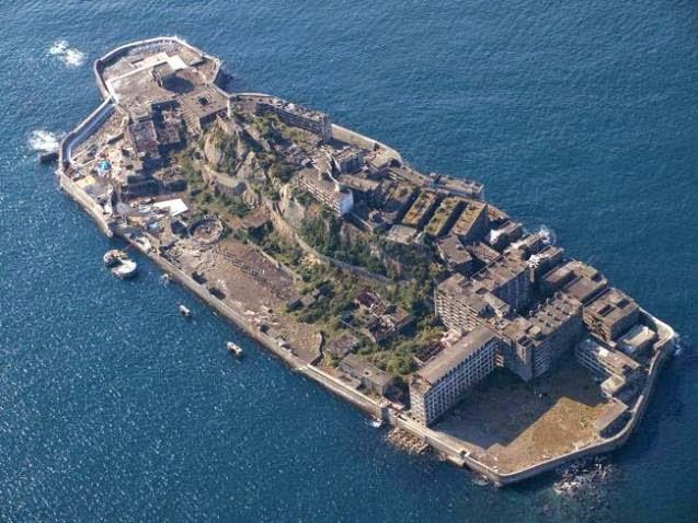 Isla fantasma de Hashima, Japón (abandonada, 1974).