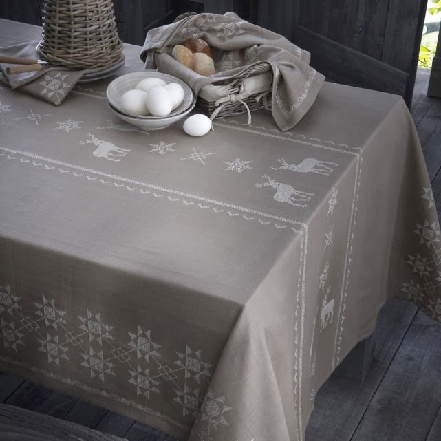 d coration par emilie b une nappe de caract re dans ma d co. Black Bedroom Furniture Sets. Home Design Ideas