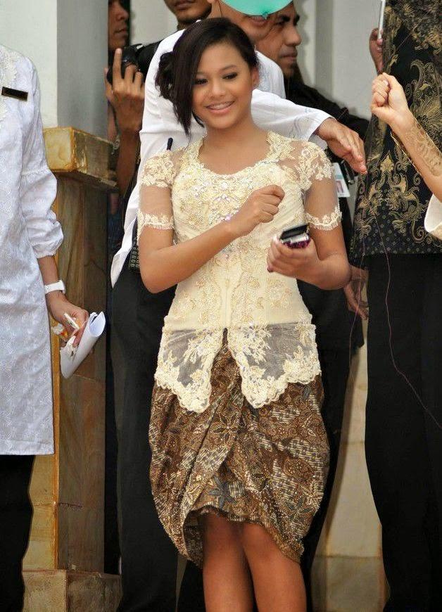 Model Kebaya Pendek 2015 Terbaru
