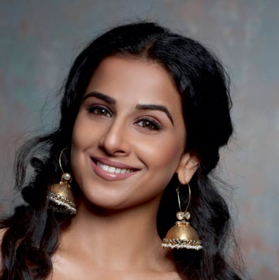 The Dirty Picture Actress Vidya Balan Latest Cute Photos gallery pictures