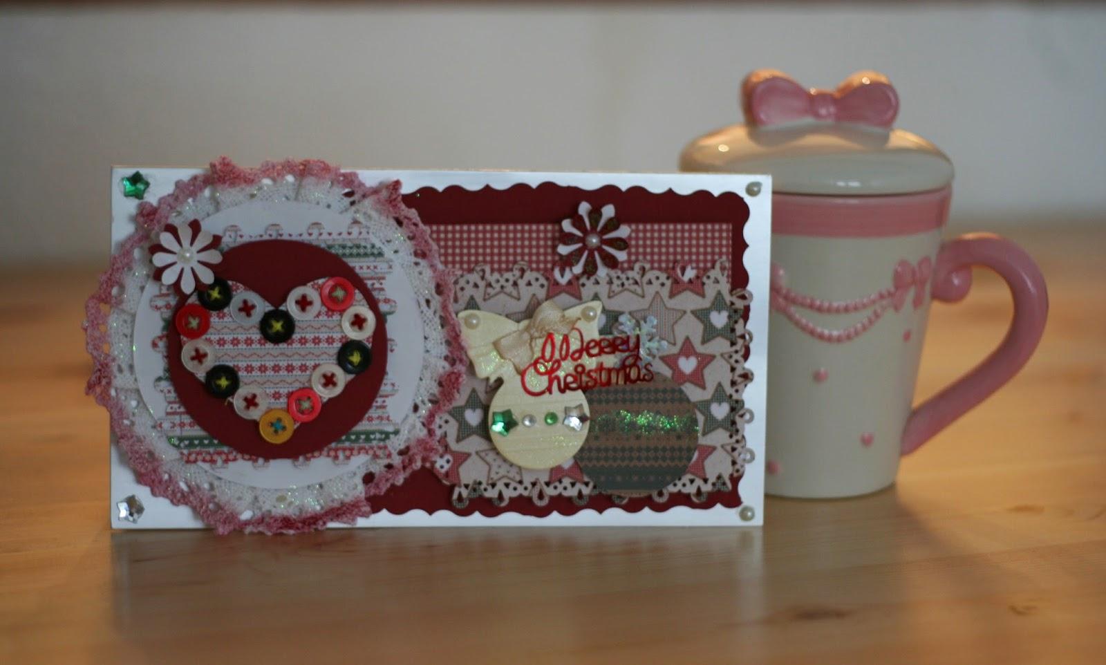 Serduszkowo-guzikowo-serwetkowa kartka świąteczna