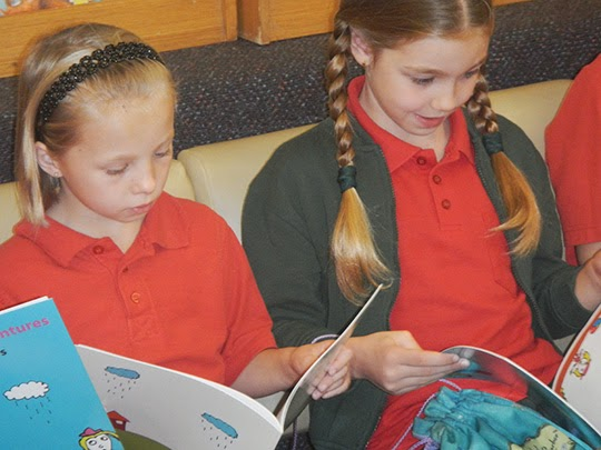 giving books to australian school kids