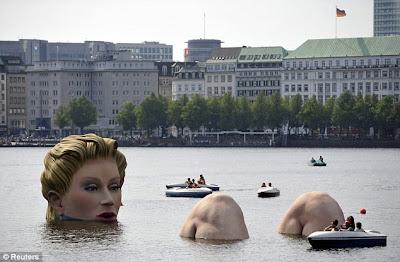 阿爾斯特湖 泡澡女 巨人