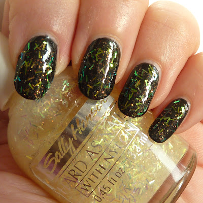 Sally Hansen Hard as nails with nylon Twinkle swatch