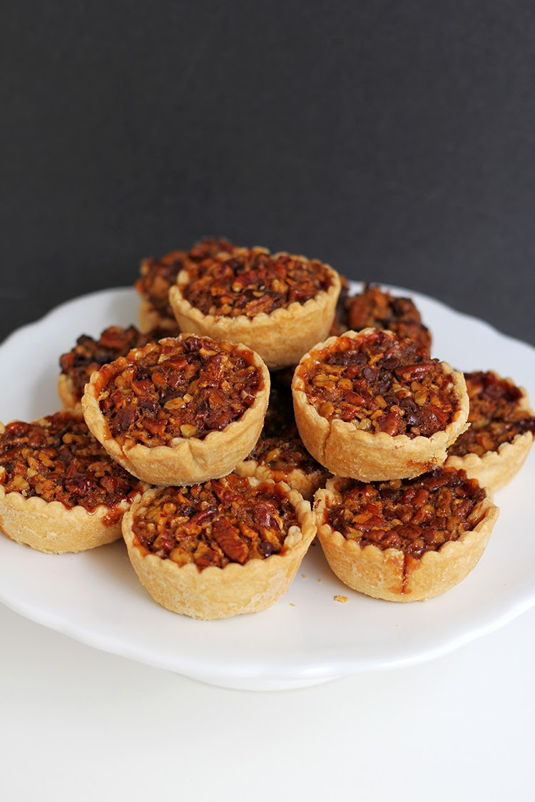 http://www.freutcake.com/in-the-kitchen/mini-bourbon-chocolate-pecan-pies/