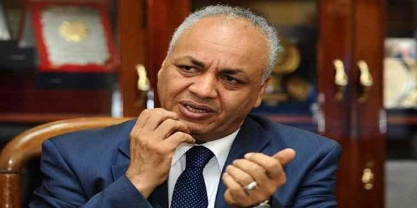 مصطفى بكرى يشكو من تجاهل سيف اليزل وائتلاف دعم مصر