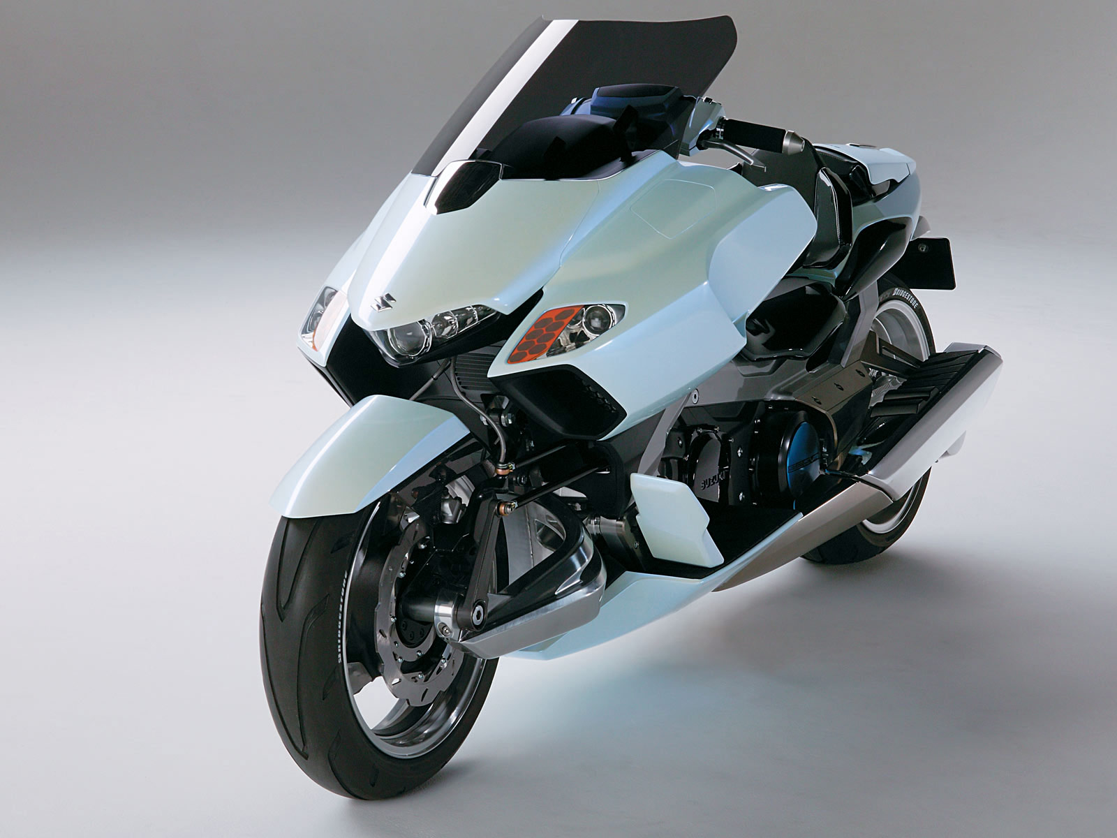 2004 SUZUKI GStrider Concept motorcycle desktop wallpaper