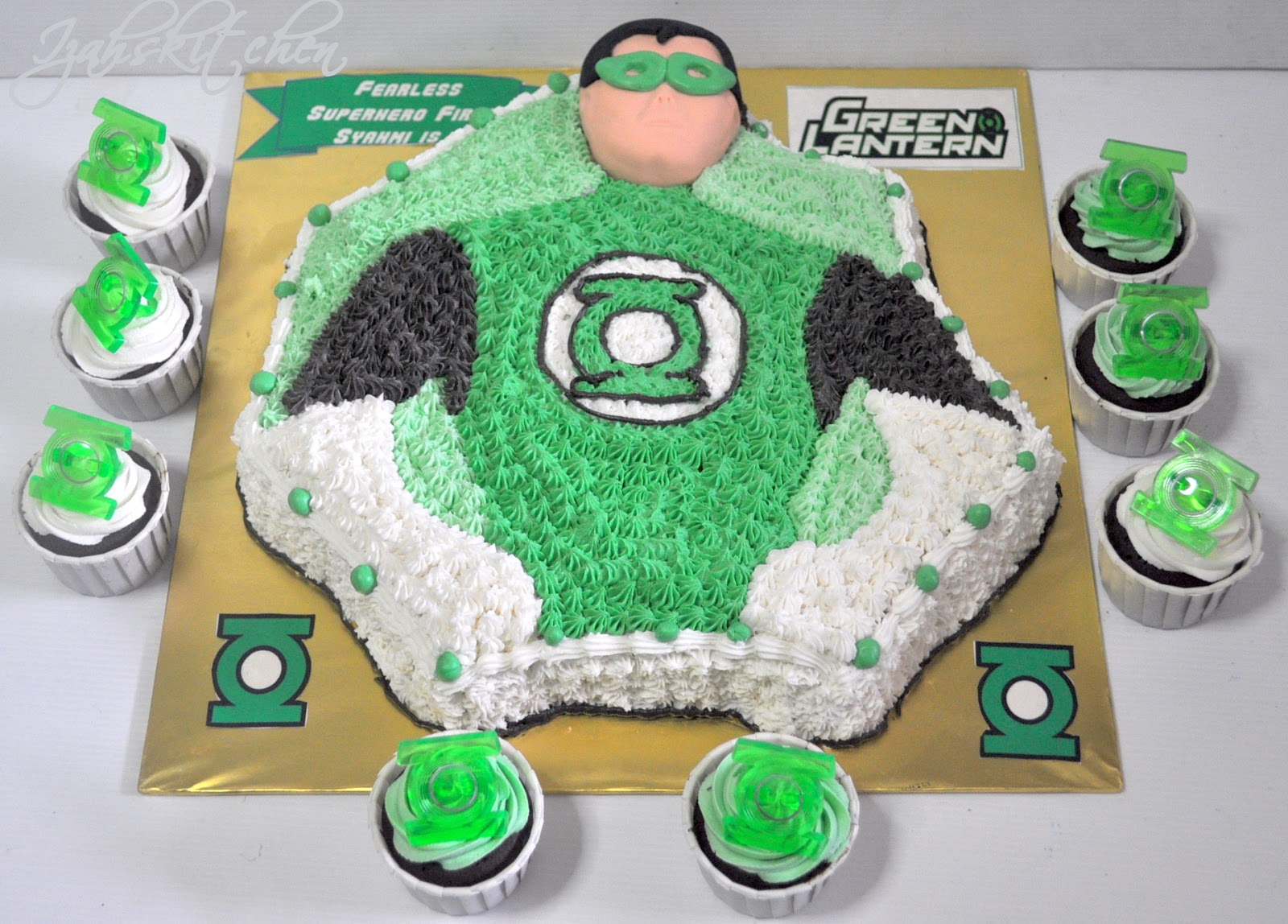 Izahs Kitchen Green Lantern Birthday Cake For Firas