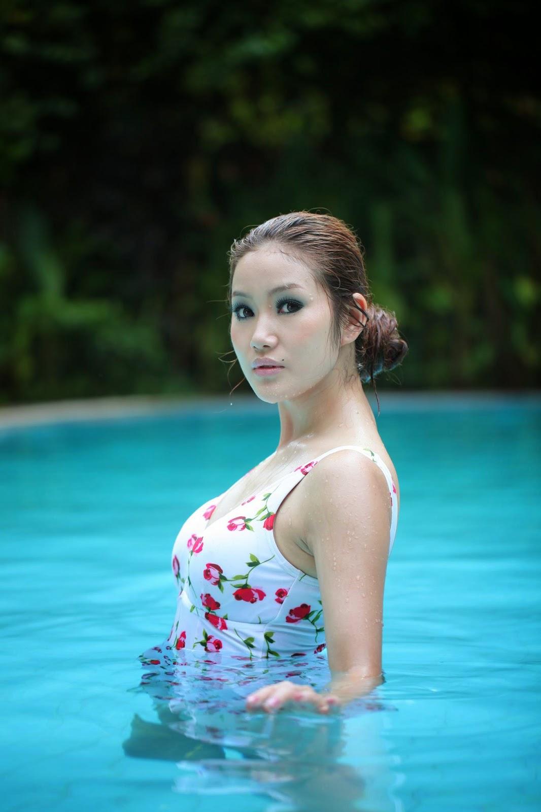 Awn Seng - Swimming Pool Beauty