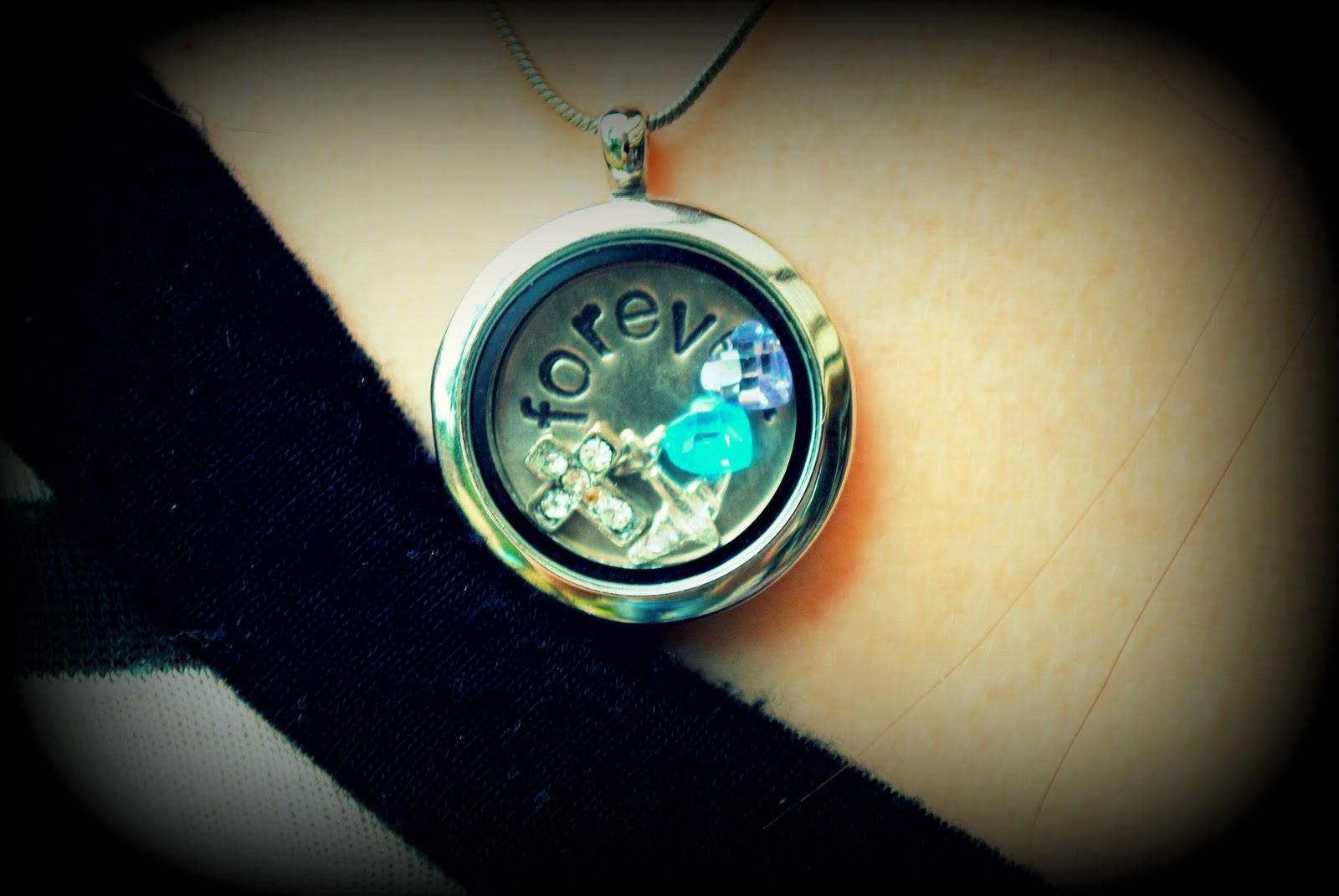 Origami Owl Necklace http://hautetotandbabycouture.blogspot.com/2011/10/perfect-timing.html