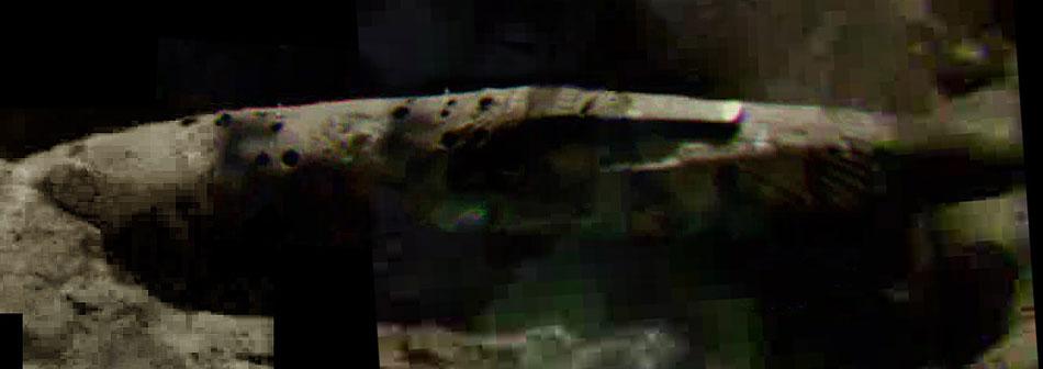uma compilacao de fotos das anomalias na superficie lunar incluindo a    Alien Spaceship On The Moon
