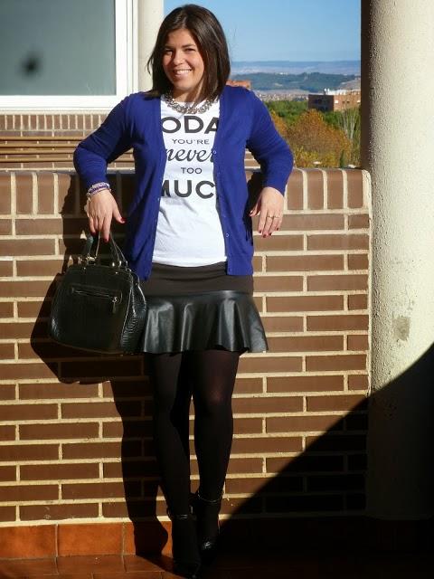 http://entremiltacones.blogspot.com.es/2013/11/negro-klein.html