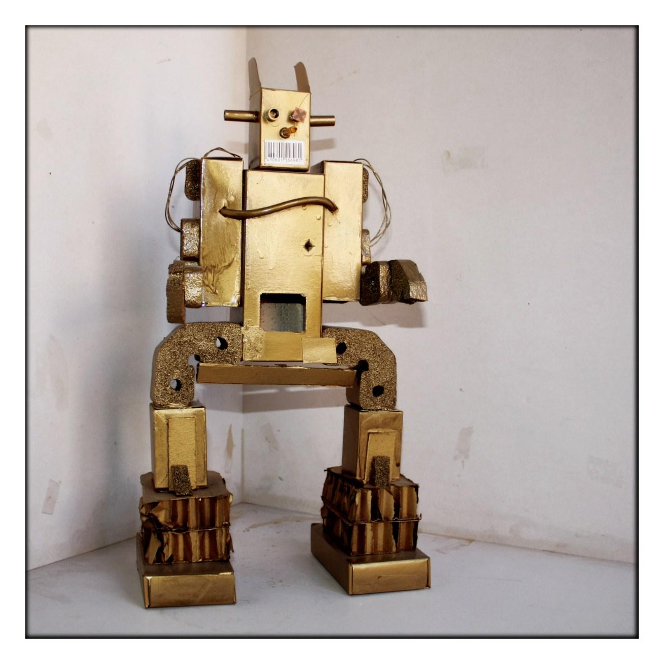 Robots Con Cajas De Carton