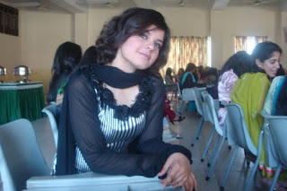 desi girl | wallpapers | images | photos | pics | hot desi local girls college girls paki desi girls uk desi g320