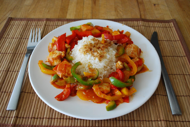 chicken with rice and spicy paprika sauce easy make