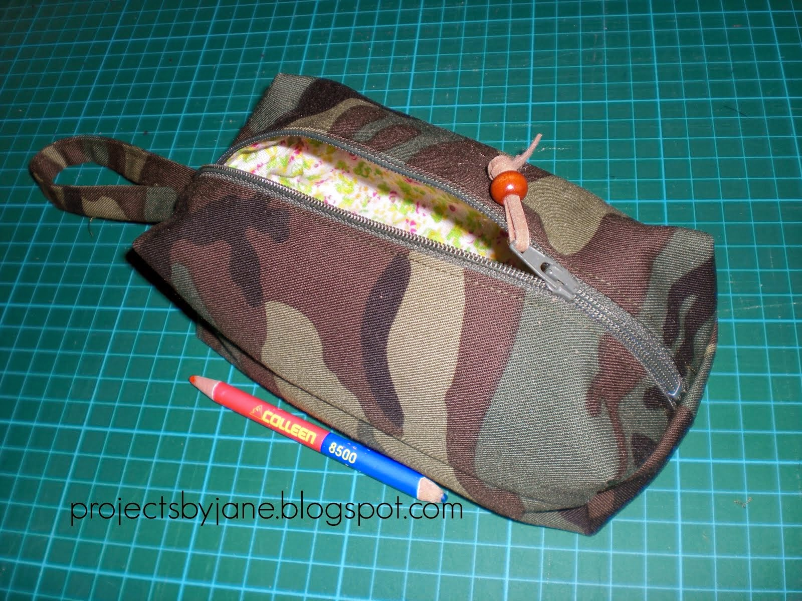 Boxy zip pouch tutorial