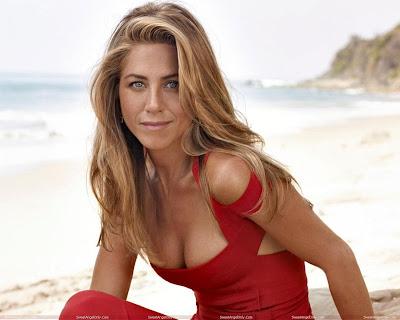 Jennifer Aniston Hot Breast