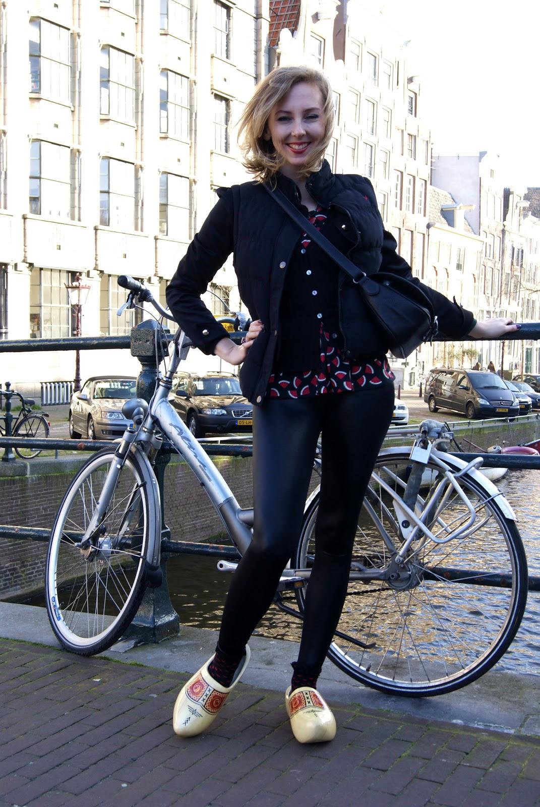 Amsterdam, clogs