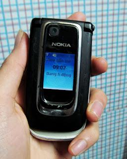Nokia 6131 cũ giá 350k thẻ nhớ nghe nhạc MP3 JAVA GPRS quay phim chụp ảnh bán điện thoại nokia cũ giá rẻ tại hà nội Cần nokia 6131 cũ giá rẻ ở Hà Nội. Nokia 6131 thiết kế nắp gập đẹp, đầy đủ tính năng, quay phim, nghe nhạc, thiết kế nút bấm mở máy, có java, gprs, edge vào mạng, cài phần mềm, có khe cắm thẻ nhớ nghe Mp3 hay Máy đang hoạt động tốt, không lỗi lầm, nguyên bản, chưa sửa chữa, cơ cáp nảy tanh tách. Hình thức bình thường, anh em xem ảnh chụp chi tiết ở dưới Giá 350k (máy,pin) Liên hệ: 0904.691.851