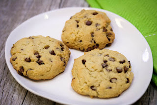 almond-flour-coconut-chocolate-chip-cookies