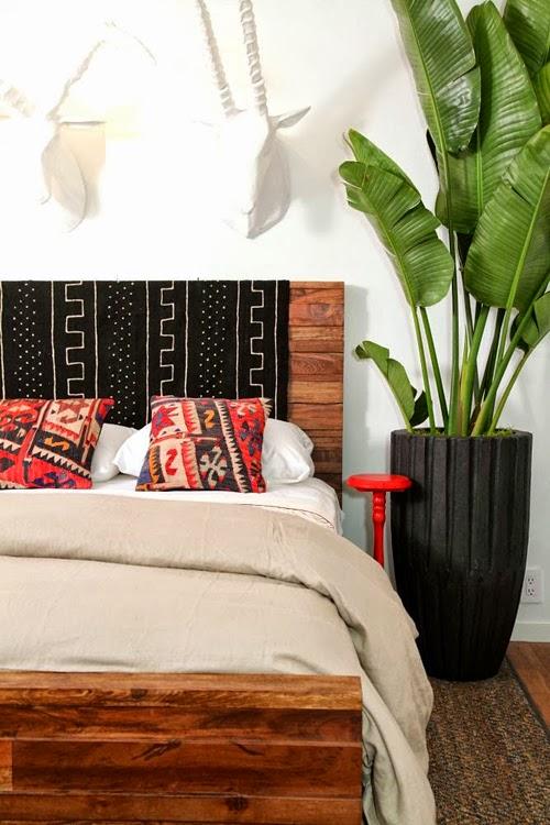 Dormitorio con hojas de platanero
