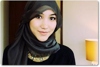 Jilbab on Tips Trik  Video Tata Cara Memakai Jilbab Modern  Kreasi Dan Pashmina