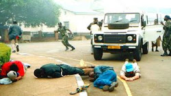 Police arrest demonstrators, Blantyre 2003