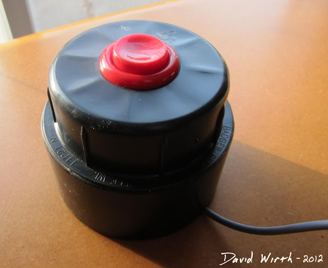 how to make an arcade button USB, old mouse, wire, photo booth