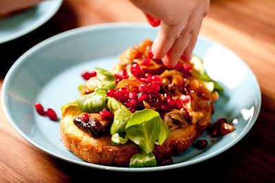 tattibruchetta, granaattiomena