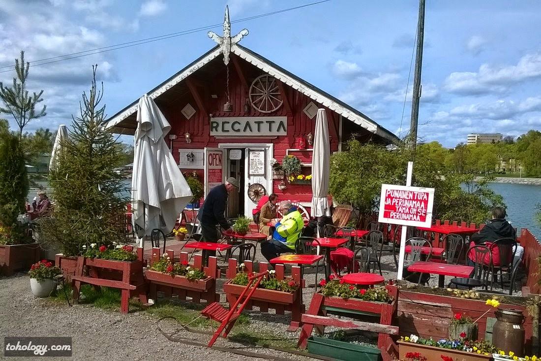"Café ""Regatta"""