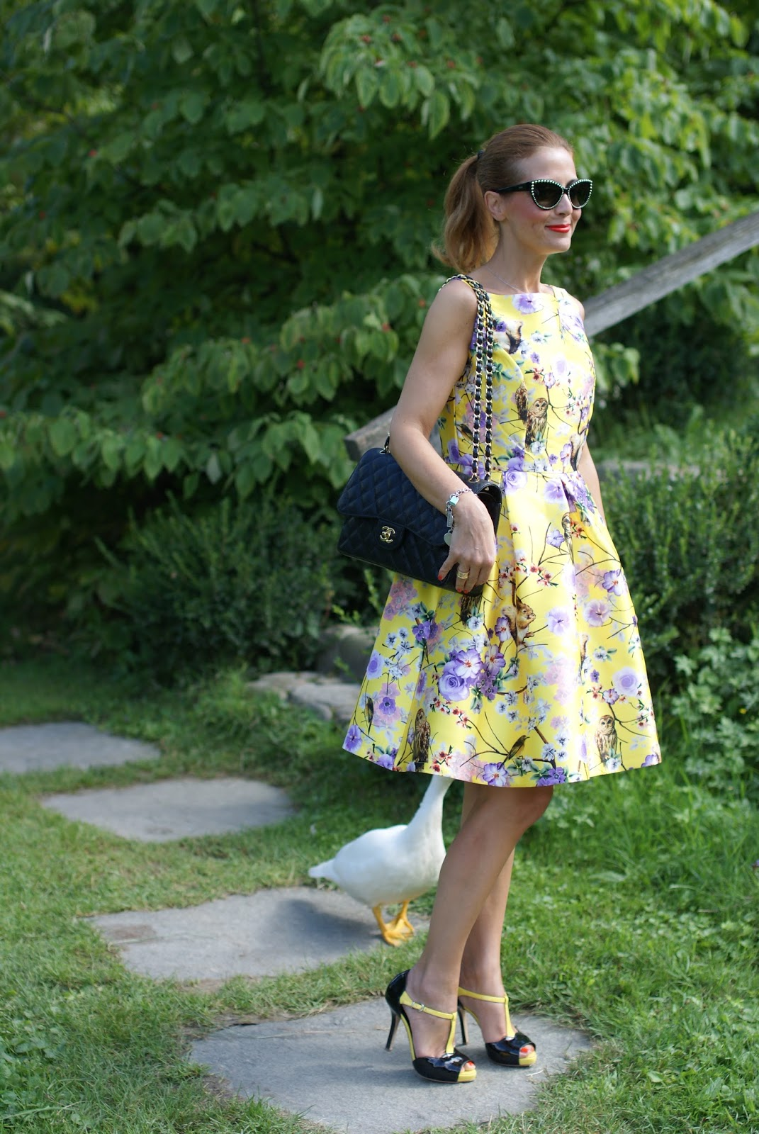 Zaful floral and owls print dress with Chanel classic flap bag and fashionable ducks on Fashion and Cookies fashion blog