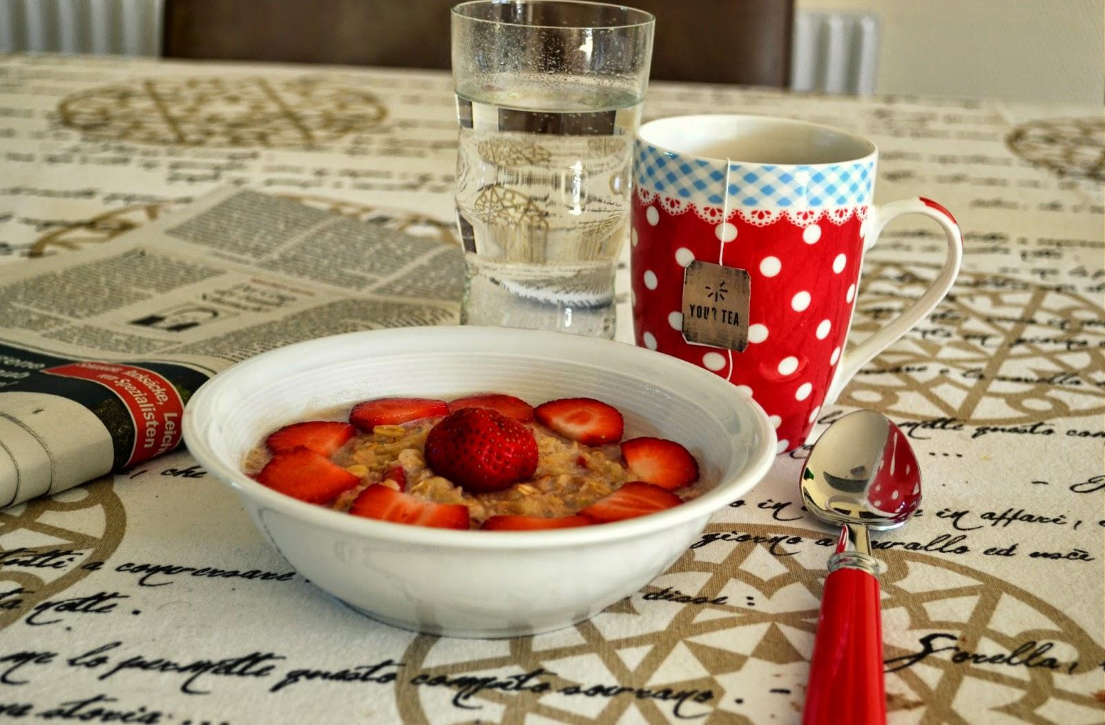 omg oatmeal erdbeer porridge. Black Bedroom Furniture Sets. Home Design Ideas