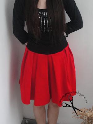 czerwona spódnica z zakładkami Burda 12/2011 moje nozyczki