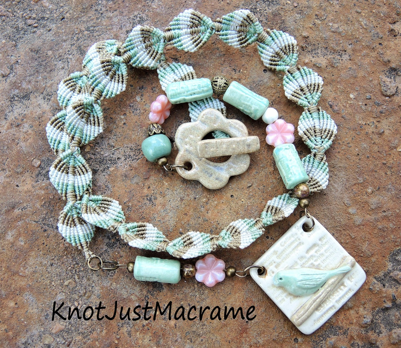 Necklace with macrame leaves and Blu Mudd ceramics.