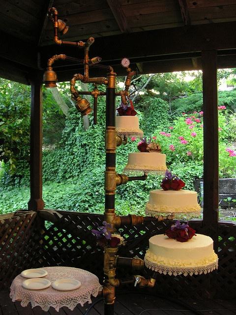Unique Wedding Cake Ideas - Wedding Cake on Pipes